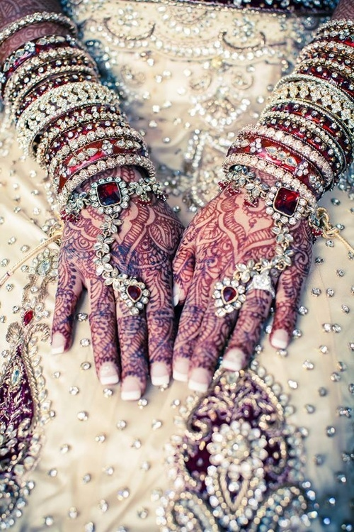 الله عروسة ايديك للحنة haidar1401656288061.