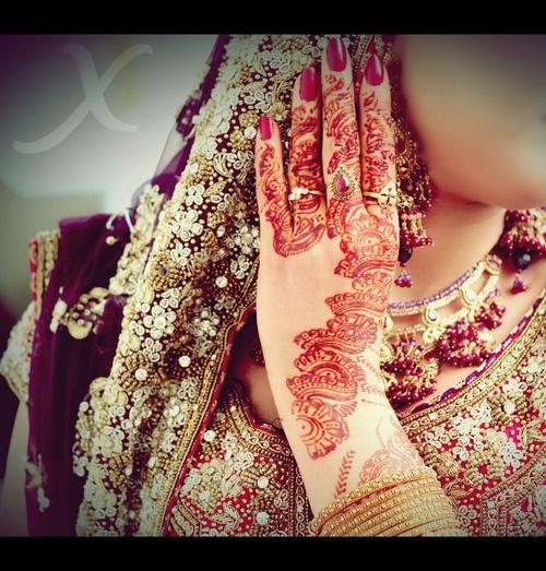 الله عروسة ايديك للحنة haidar1401656531031.