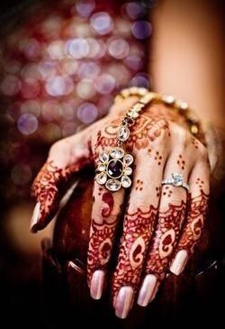 الله عروسة ايديك للحنة haidar1401656741361.