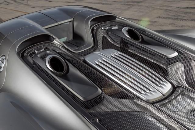 سيارة بورش سبايدر 2015 haidar1401900765553.