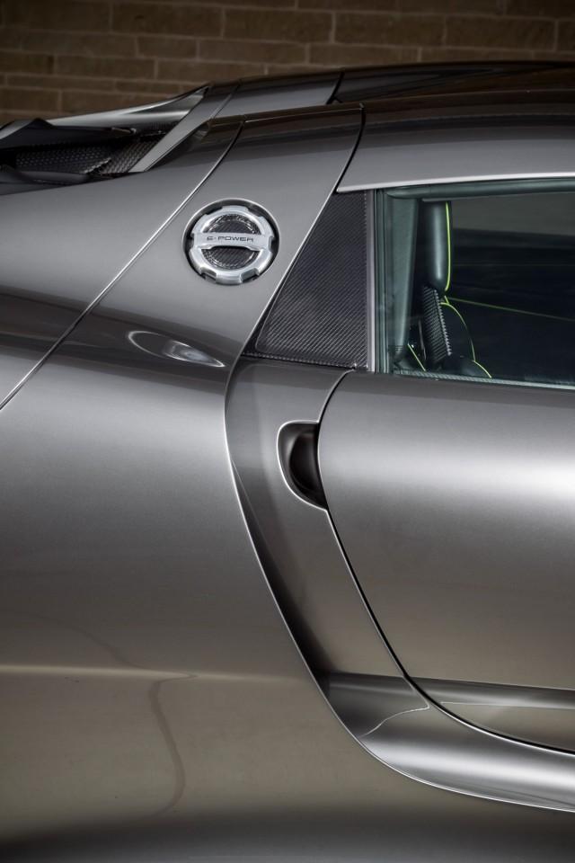 سيارة بورش سبايدر 2015 haidar1401900935821.