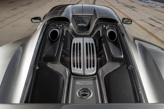 سيارة بورش سبايدر 2015 haidar1401900935853.