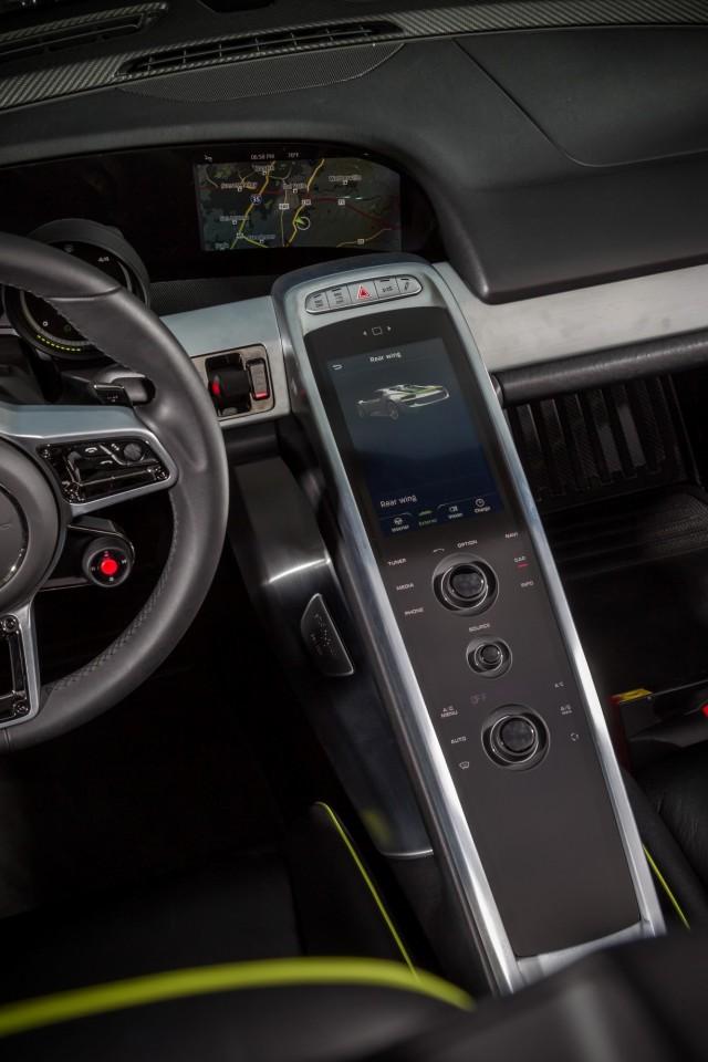 سيارة بورش سبايدر 2015 haidar140190093596.j