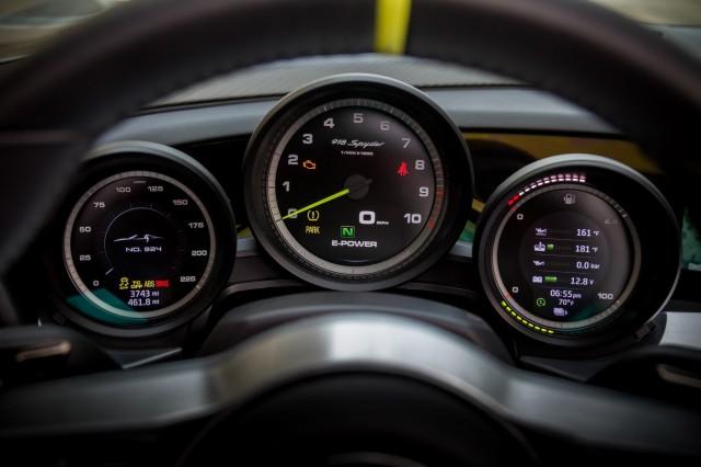سيارة بورش سبايدر 2015 haidar1401901029861.