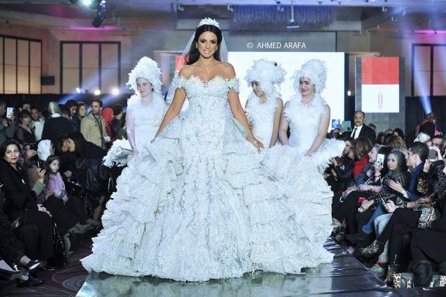 تنافس عارضات الأزياء بفستان زفاف haidar1418389920951.