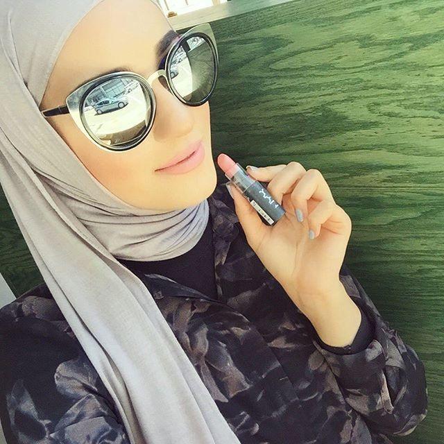 أحمر شفاه لإطلالتك بالحجاب؟ haidar145277714931.j